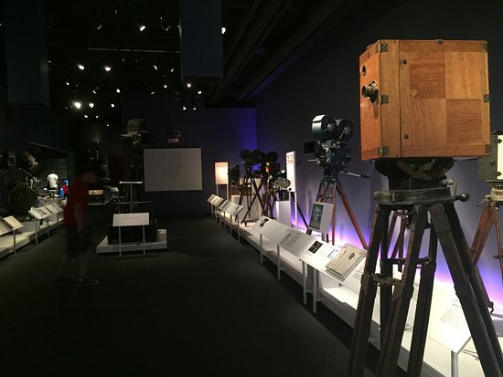 Museum of the Moving Image : Timeline of cameras