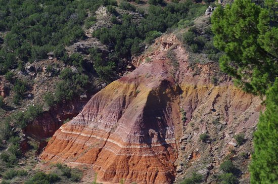 Palo Duro Canyon State Park: Stunning colours in the rock face