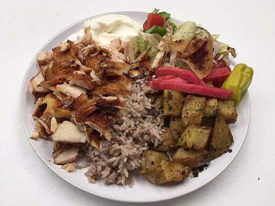 Longueuil, Canada: shish taouk plate