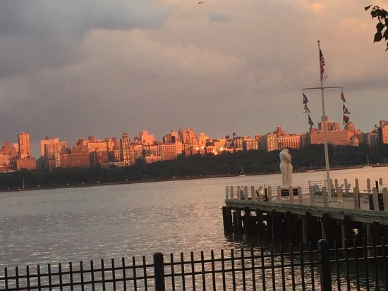 Edgewater, NJ : photo3.jpg