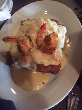 Crowley, LA: Fezzes Oysters Rockefeller, Fried Alligator Bites, Cajun Shrimp & Grits, Seafood Pasta, Catfish