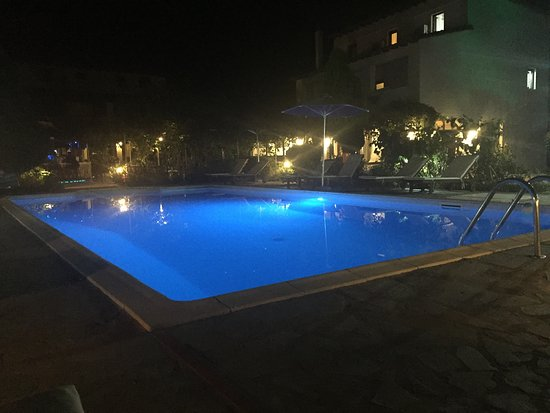 Villa Angela: Pool by Night