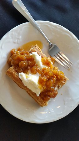 The Thorndyke Dining Room: Bake Apple Creme Pastry, fabulous!