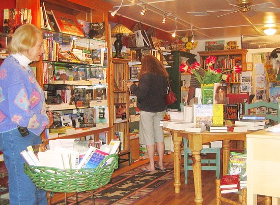Cascades of the Rockies Bookstore: Interior shot of the old location. Check out their tasty specialty foods