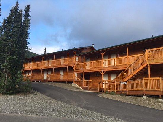 Denali Grizzly Bear Resort: Grizzly Bear Cedar Hotel