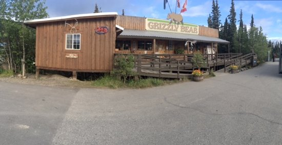 Denali Grizzly Bear Resort: Grizzly Bear Main Office and Store