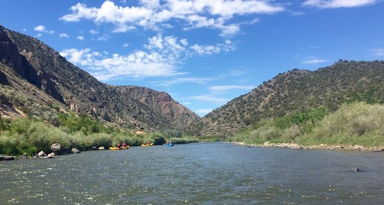 Los Rios River Runners: Amazing scenery along the Racecourse