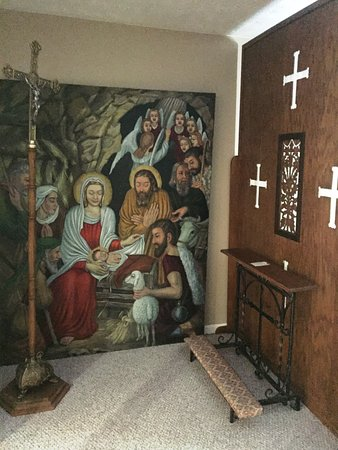 Prestonsburg, KY : Beautiful tapestry of the Nativity by the confesionary
