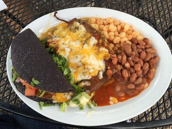 El Prado, Nouveau-Mexique : I dream of this meal! Chile relleno, cheese enchilada and brisket taco