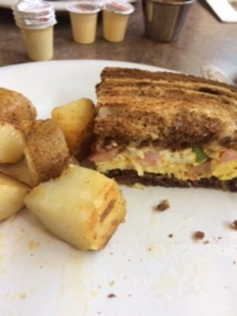 Fergus, Kanada: toasted western and home fries
