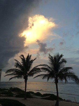 Bodden Town, เกาะแกรนด์เคย์แมน: Beautiful sunset