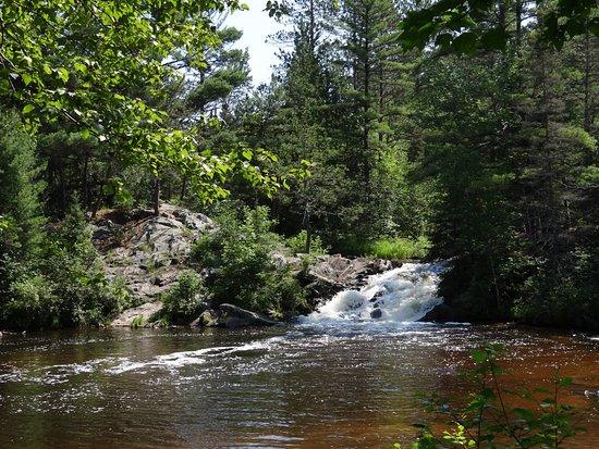 Dunbar, WI: 12 Foot Falls