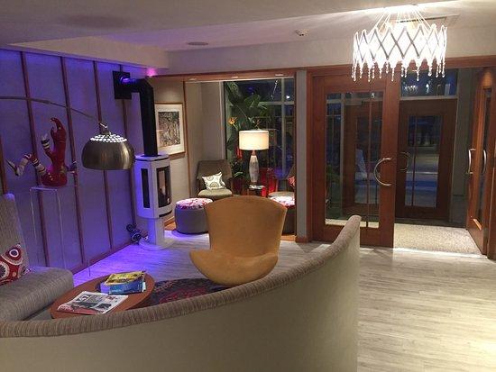 Le Champlain Hotel: Me Champlain Lobby