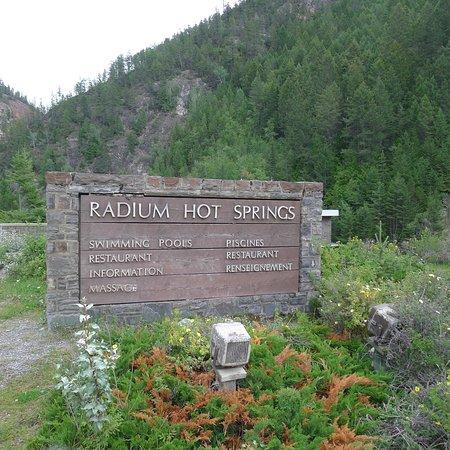 Radium Hot Springs, Καναδάς: Signage for Spa