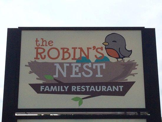 Paw Paw, MI : The Robin's Nest