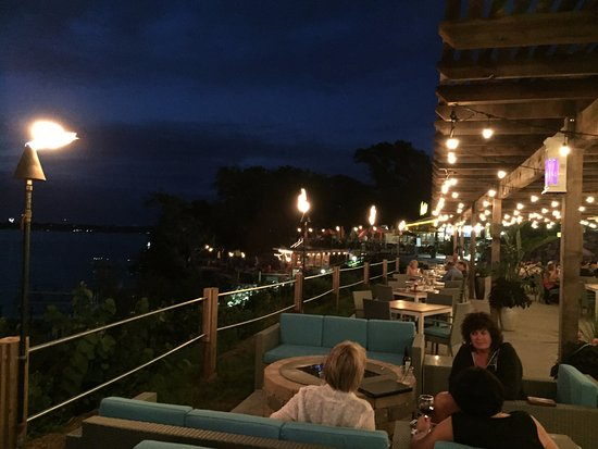 Arnolds Park, Αϊόβα: Night Time on the Patio