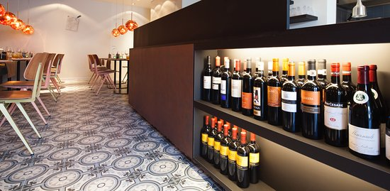 Bornem, Бельгия: Wine not ?