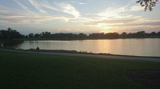 Des Plaines, IL: Lake Opeka