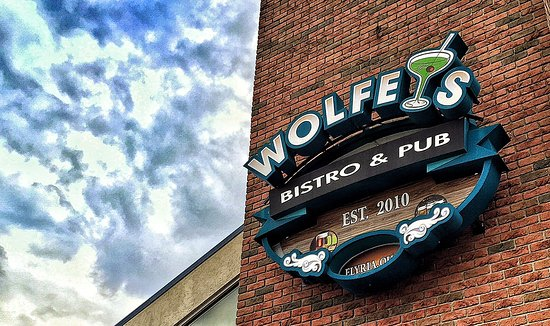 Elyria, OH: Wolfey's on East Broad Street