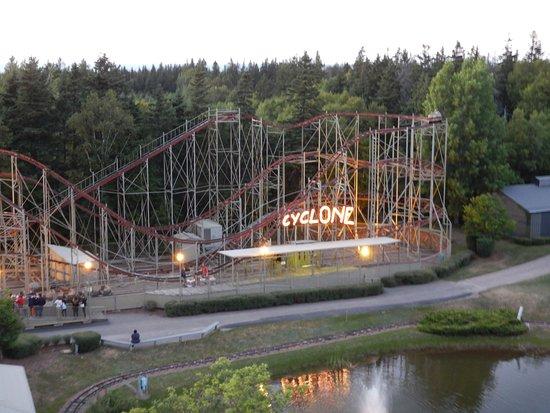 كافنديش, كندا: Cyclone from Ferris wheel