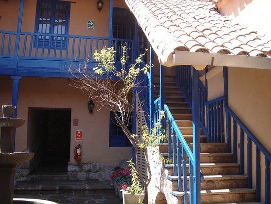 Tierra Viva Cusco Saphi: Vista interna do hotel.