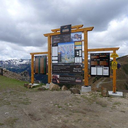 Golden, Kanada: Top of the Mountain