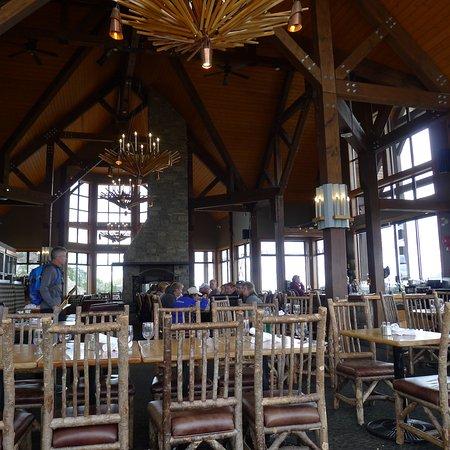 Golden, Canada: Interior of Eagles Eye Restaurant