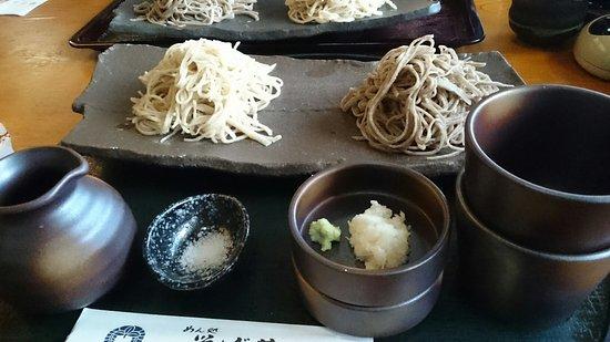 Toyohashi, ญี่ปุ่น: 2色そば