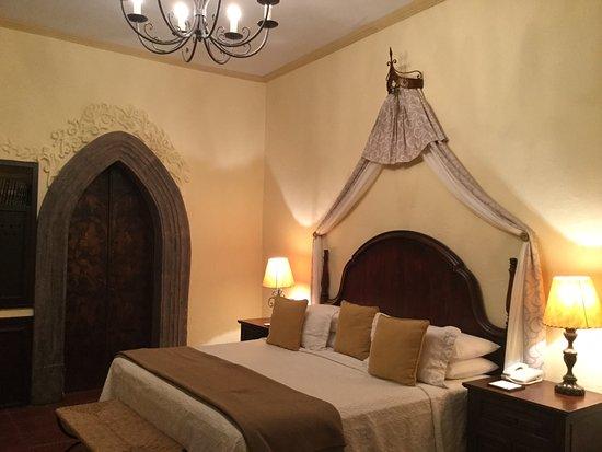 Belmond Casa de Sierra Nevada: Very comfortable bed!