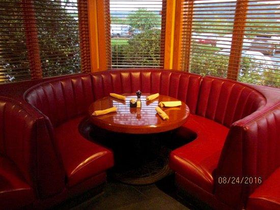 Aubrey's Restaurant: Booth