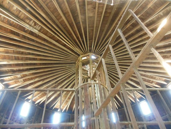 Pittsfield, MA: Circular Haymow inside the Round Stone Barn