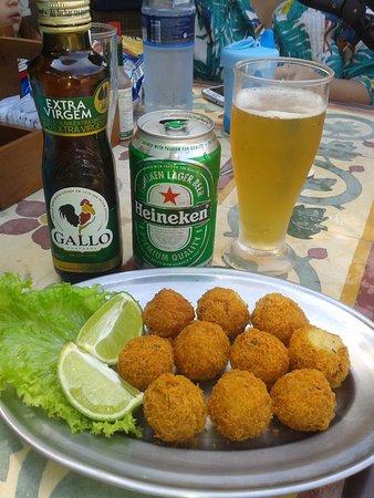 Corais e Conchas: recomendo o delicioso bolinho de bacalhau