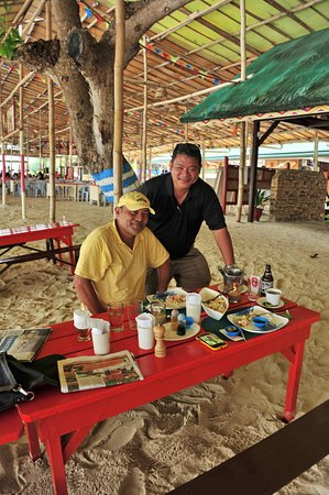 Paradise Island Park & Beach Resort: With the owner of the establishment