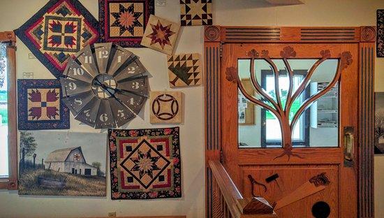 Yoder, KS: Great handiwork near the door.