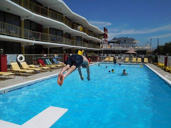 Carideon Motel: pool picture
