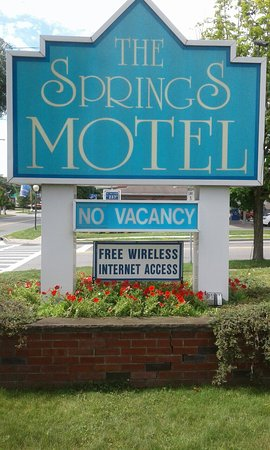 The Springs Motel: 20160715_100615_large.jpg