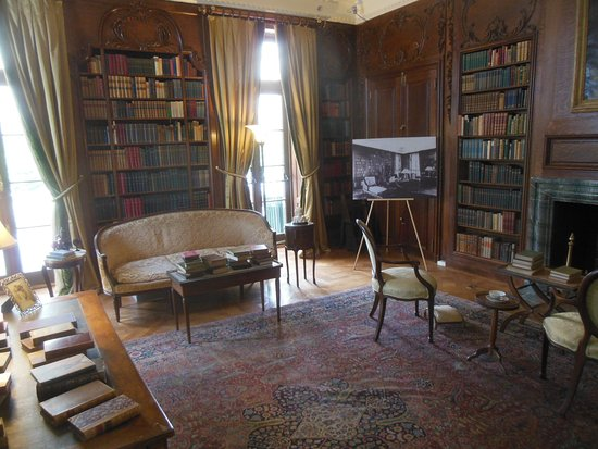 Lenox, MA: Replica Library at The Mount