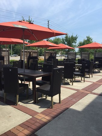 Panera Bread: Shaded Outdoor Seating