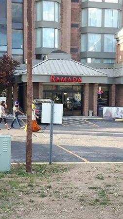 Ramada Plaza Niagara Falls: 20160822_191234_large.jpg