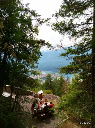 Revelstoke, Canadá: Picnic with a view