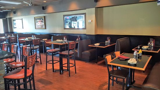 Newtown, PA: Friends Bar & Grille