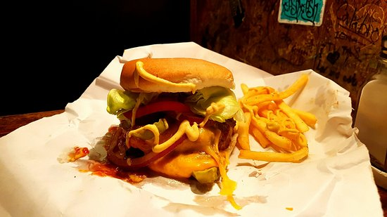 Burger Joint at Le Parker Meridien Hotel: 20160729_222600_large.jpg