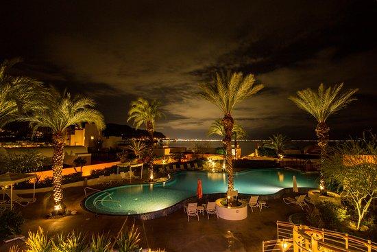 CostaBaja Resort & Spa: Alberca del Hotel vista desde el Loby