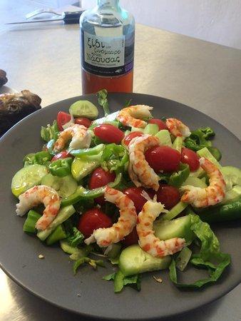 Daratsos, اليونان: Αβοκαντο γαρίδες σαλάτα - Avocado shrimps salad