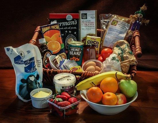 Merimbula, Australia: basket of goodies for Special Day