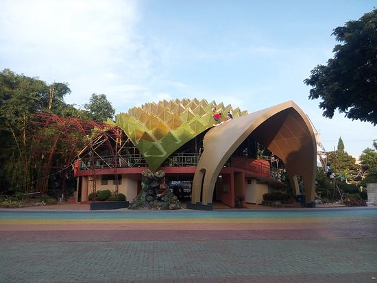 Davao City, Filippinerna: durian dome