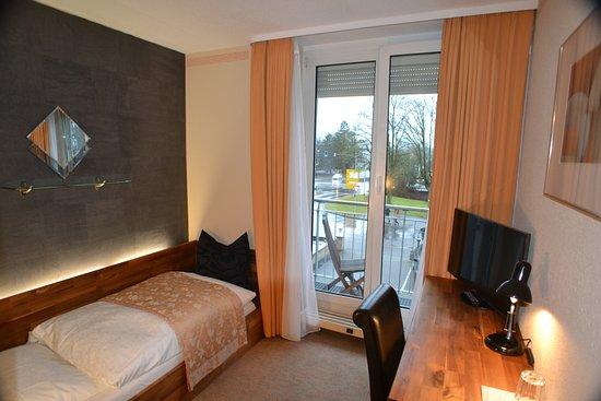 Einzelzimmer- Standard im Art- Hotel Weingarten