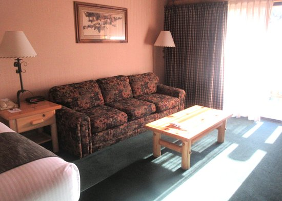 Couch, King Size Room, Best Western Ponderosa Lodge, Sisters, Oregon