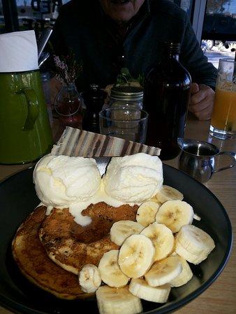 Caroline Springs, Australia: Pancakes ah la yum!