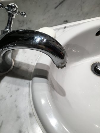 The Spigot Is So Close To The Edge Of The Sink You Can T Get Your